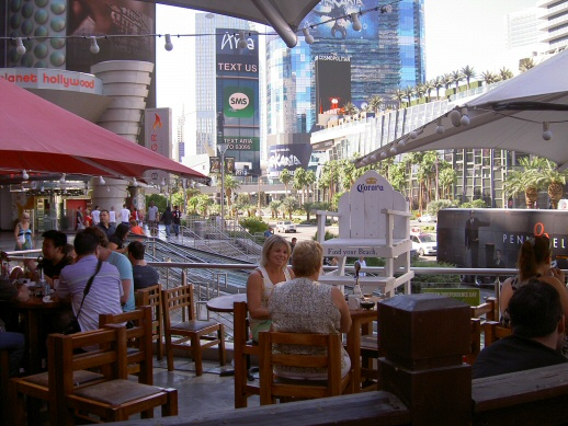 Sidewalk café on Las Vegas Boulevard, aka The Strip . ..