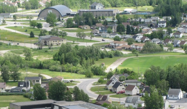 The heart of a model town . . . In front of the Rec Centre is the traffic circle.