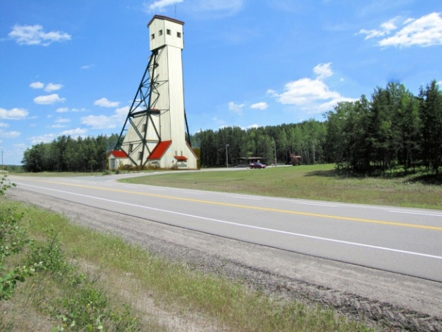 Picture Geraldton's historic headframe situated at the entrance to MacLeod Park.  It would be seen for miles.