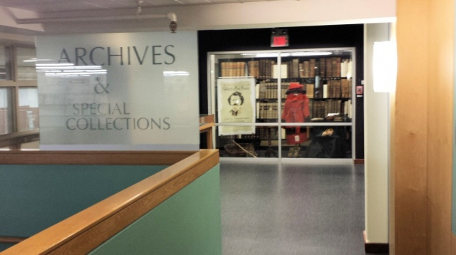 The entryway for the U of Manitoba Archives, in the Elizabeth Dafoe Library.