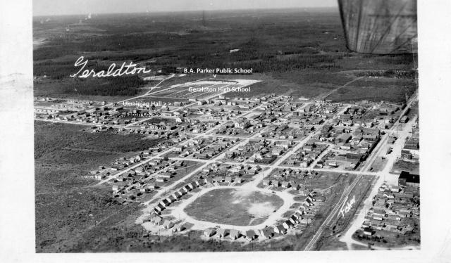 Aerial view of Geraldton circa 1950, looking west.
